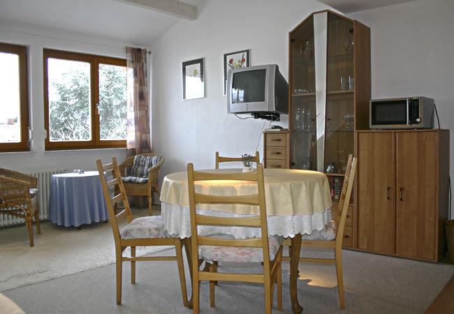 Bodenseeurlaub in sehr ruhigen komfort ferienwohnungen for Schlafcouch bequem